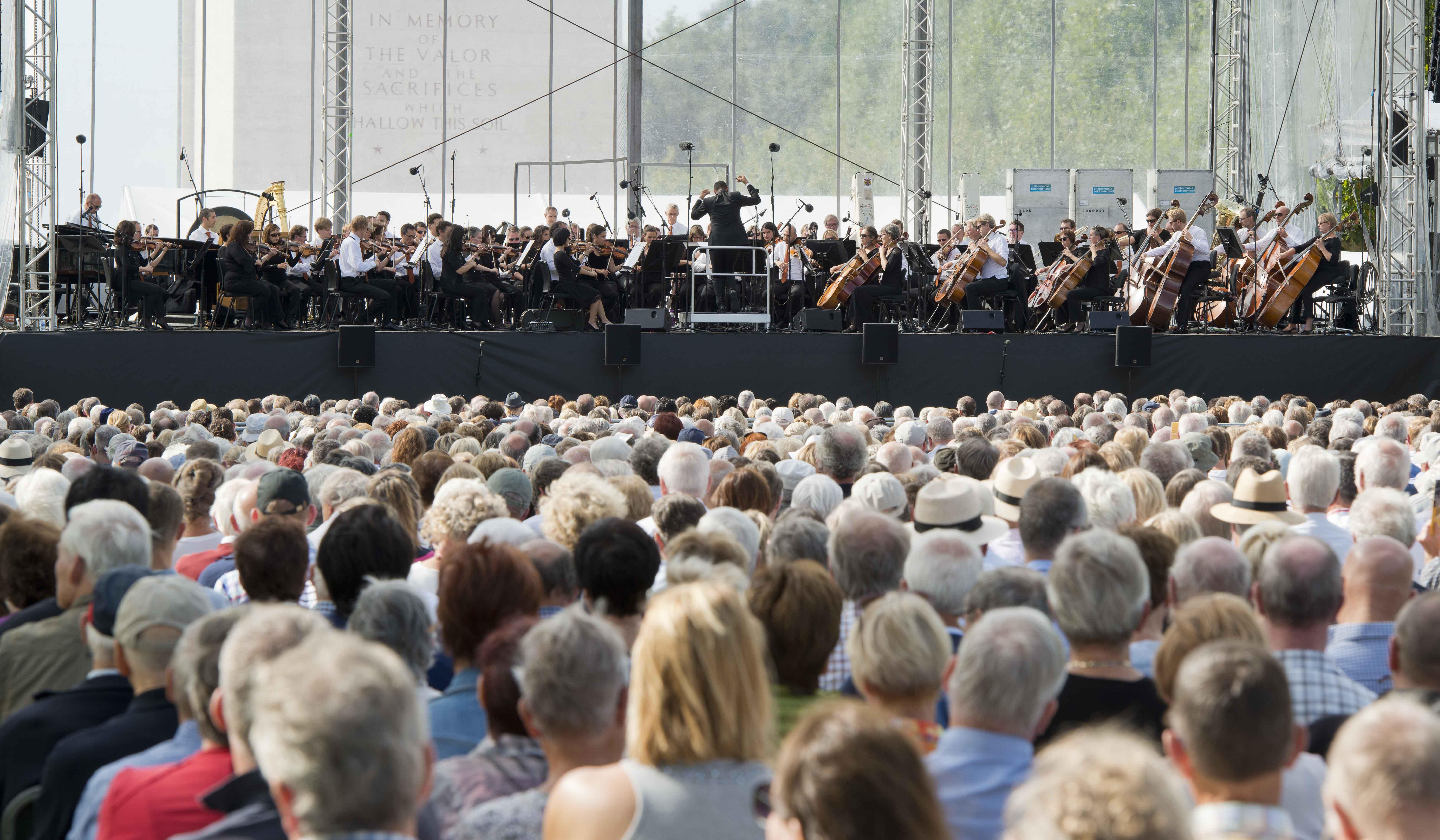 Ruim 3000 bezoekers eren gesneuvelde soldaten
